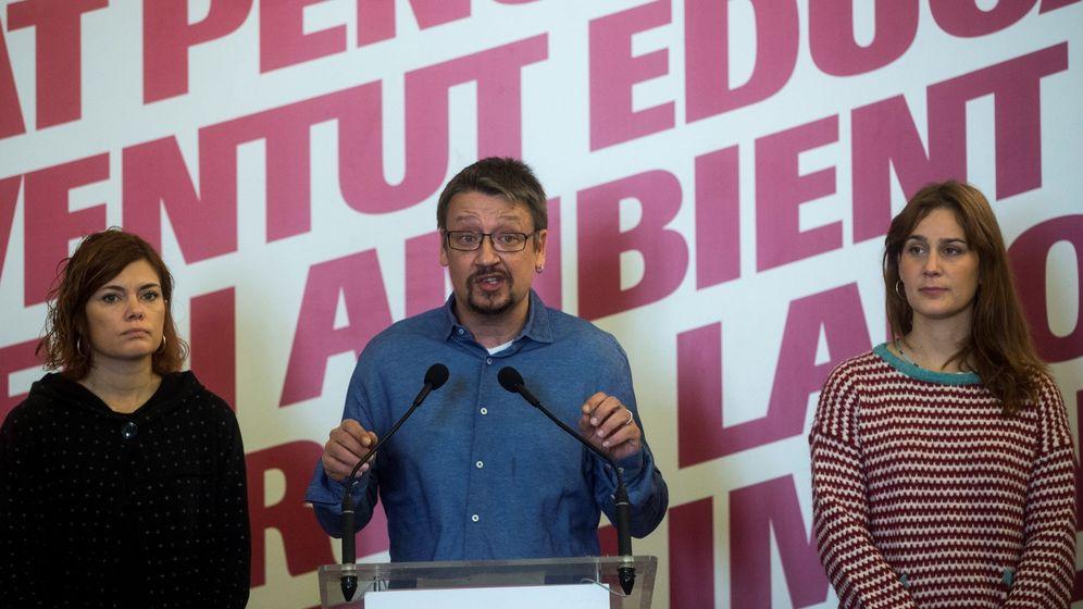 Foto: El líder de Catalunya en Comú-Podem (CatECP), Xavier Domènech, acompañado de Elisenda Alamany y Jèssica Albiach. (EFE)
