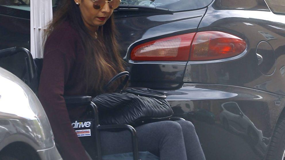 Sara Verdasco se va de compras en su silla de ruedas