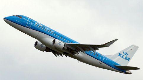 La aerolínea KLM pide a las madres que se tapen al dar el pecho a sus bebés