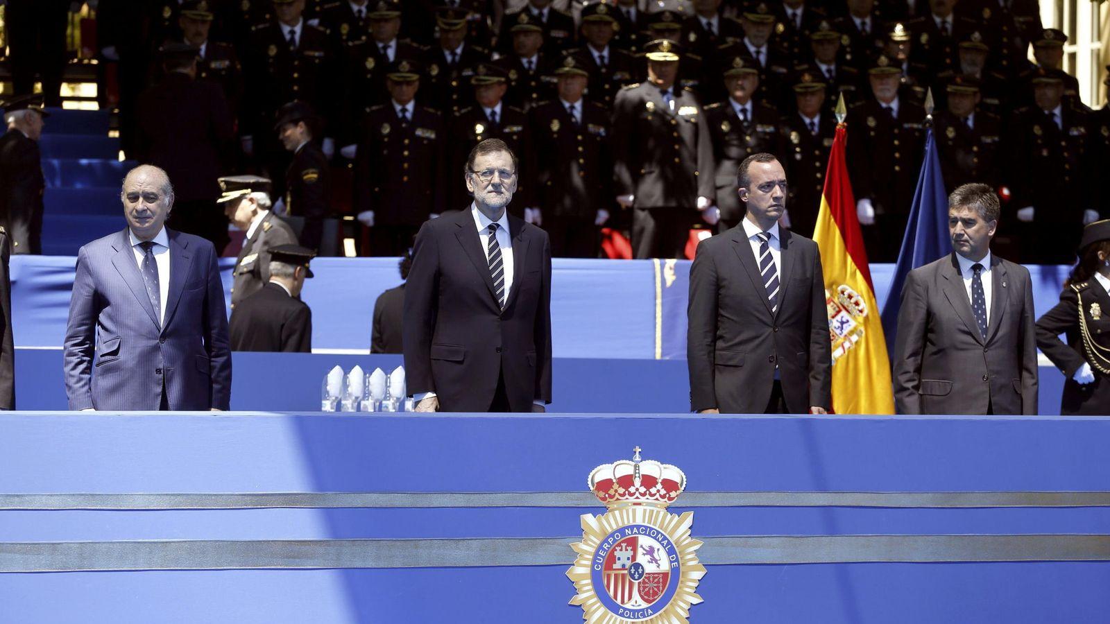 Foto: Mariano Rajoy, en un homenaje a los 186 policías nacionales asesinados en atentados terroristas. (EFE)