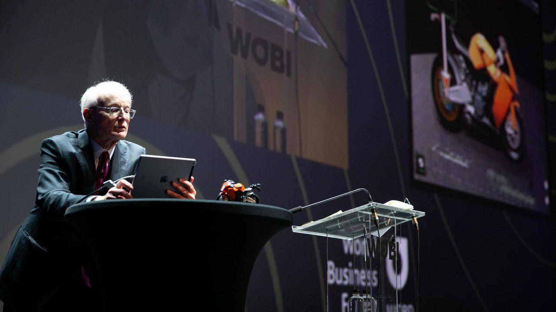 Michael Porter, durante su intervención en el World Business Forum Madrid. (WOBI)