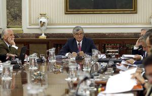 Los fiscales apoyan a Torres-Dulce y creen que hay entidad para actuar