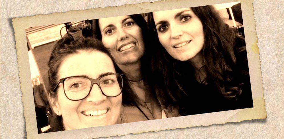 Foto: Silvia junto a sus hermanas Meritxell y Mónica. (Redes Sociales)