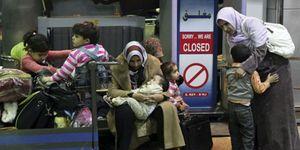 Las compañías españolas empiezan a repatriar a sus trabajadores de Egipto