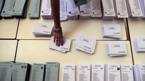 Ausencias y vocales demasiado alegres: las incidencias en los colegios electorales