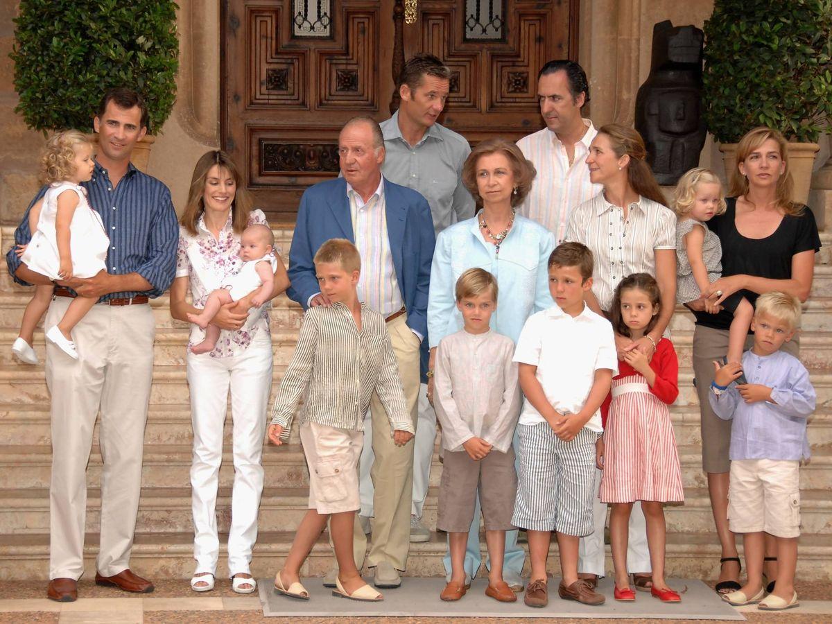Foto: La familia Borbón, en Marivent en 2007. (Getty)