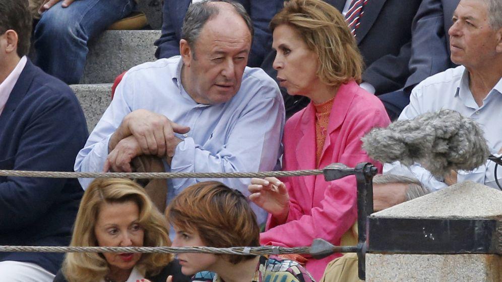 Foto:  Luis y Ágatha, durante la Feria de San Isidro. (Gtres)