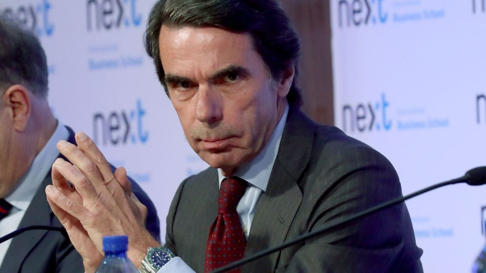 Foto: El expresidente del Gobierno José María Aznar, durante la presentación del libro 'No hay ala oeste en la Moncloa', del escritor Javier Zarzalejos. (EFE)