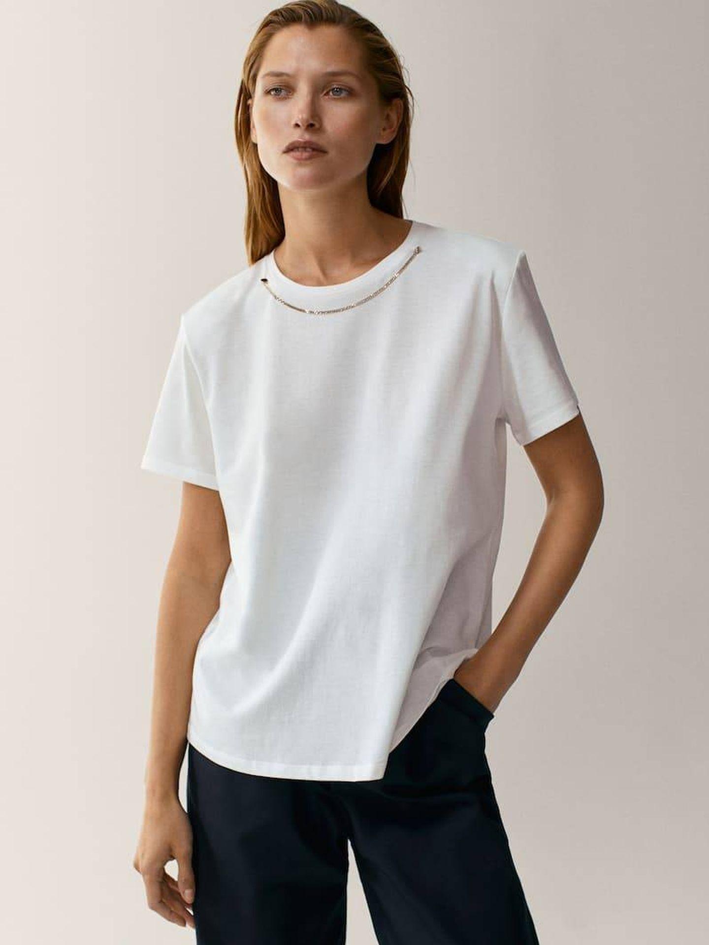 La camiseta de Massimo Dutti. (Cortesía)