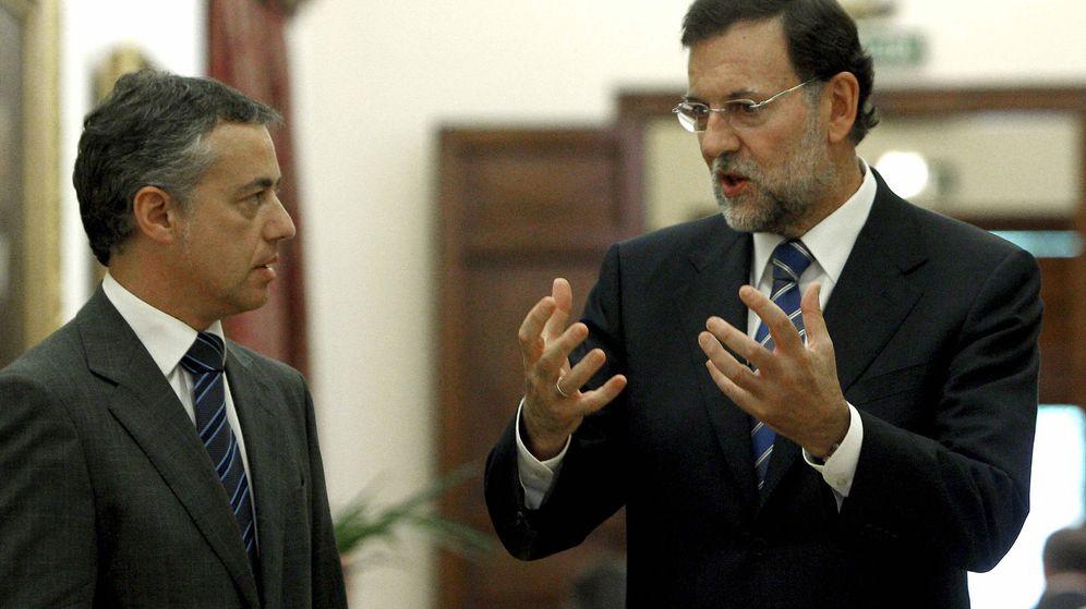 Foto: El presidente del PP, Mariano Rajoy (d), y el líder del PNV, Iñigo Urkullu, en una foto de archivo. (EFE)