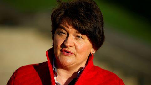 La ministra principal de Irlanda del Norte, del partido unionista, anuncia su dimisión