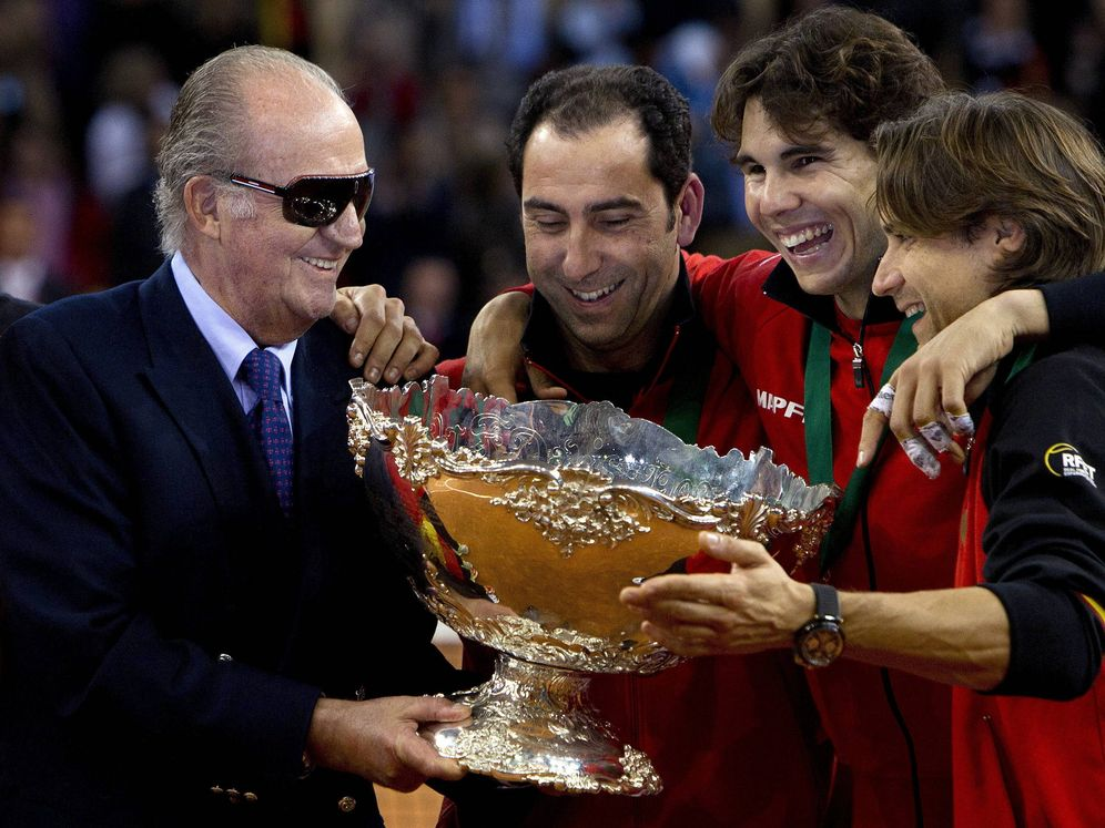 Foto: Juan Carlos I, junto a Rafa Nadal, Albert Costa y David Ferrer. (EFE)