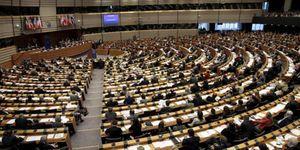 Los grupos políticos del PE acuerdan endurecer los códigos de conducta de los eurodiputados