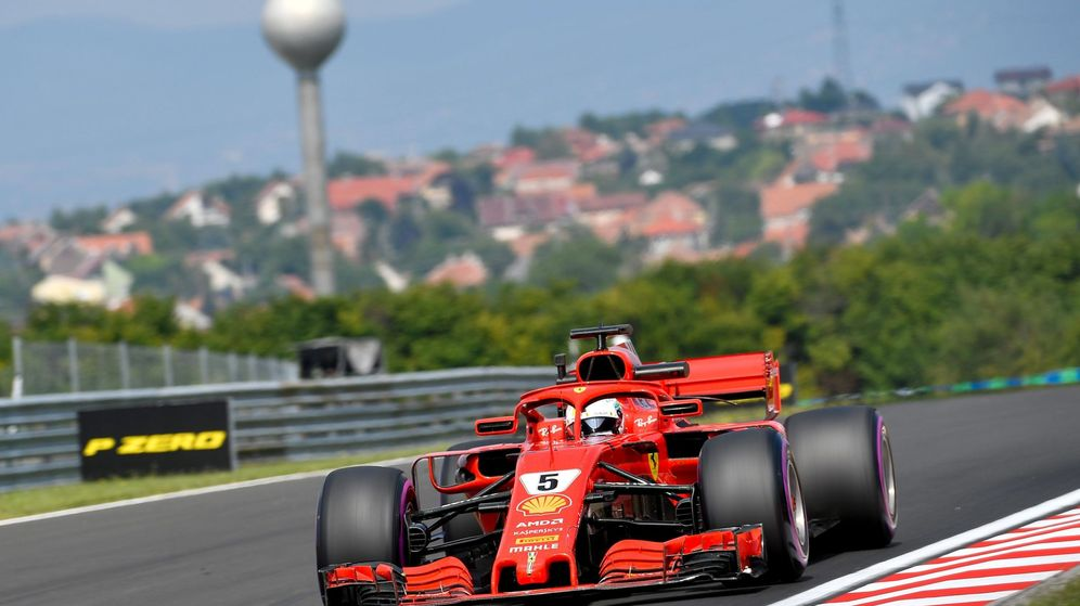 Foto: Vettel rueda con su Ferrari en los entrenamientos libres del GP de Hungría. (EFE)