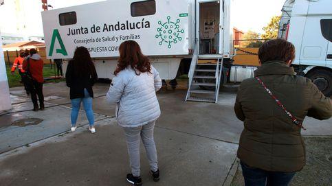 Andalucía suma 2.508 contagios y 38 muertes diarias y dispara su incidencia