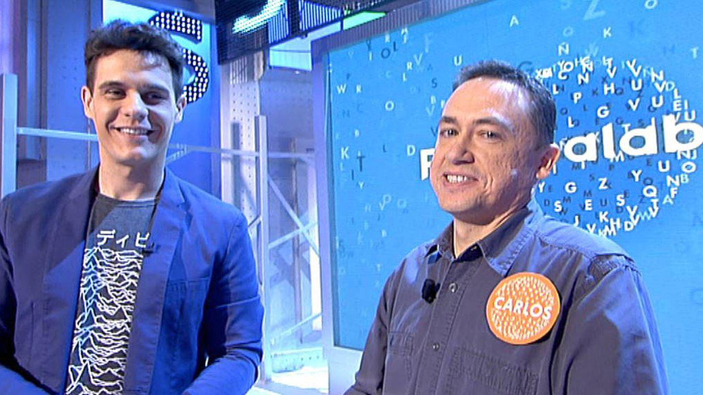 Christian Gálvez junto al primer 'ganador' del año, Carlos Adán (Mediaset España)
