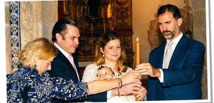 Post de El rey Felipe, 'El Padrino': Martina Jáudenes (la del bikini) y sus 12+1 ahijados