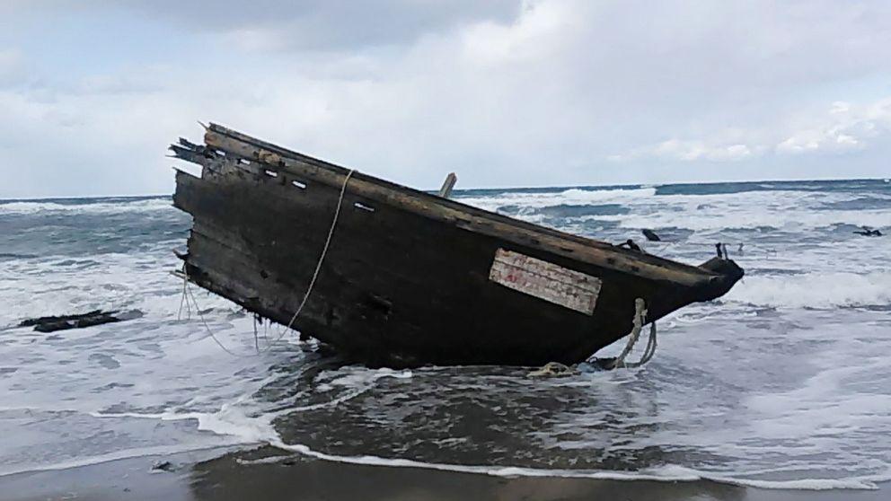 Un barco fantasma lleno de cadáveres llega a Japón: creen que viene de Corea del Norte