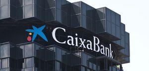 Foto: CaixaBank se 'come' 760 millones por el desplome de su banco austríaco