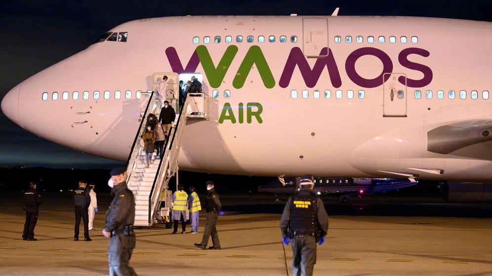 Foto: Llegada a España del Avión procedente de Wuhan. (EFE)
