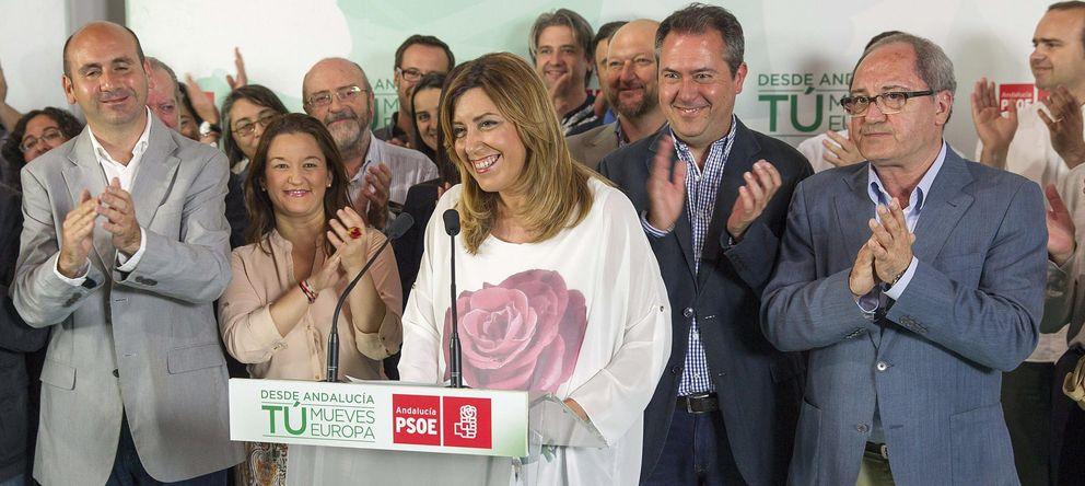 Foto: Susana Díaz (c) celebra en la sede del partido en Sevilla la victoria socialista en Andalucía en las elecciones europeas. (EFE)