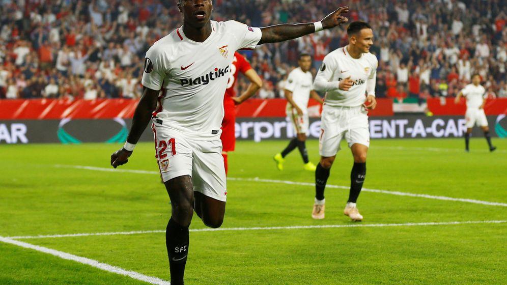 Foto: Promes celebra uno de los tres goles que ha marcado esta temporada con el Sevilla. (Reuters)
