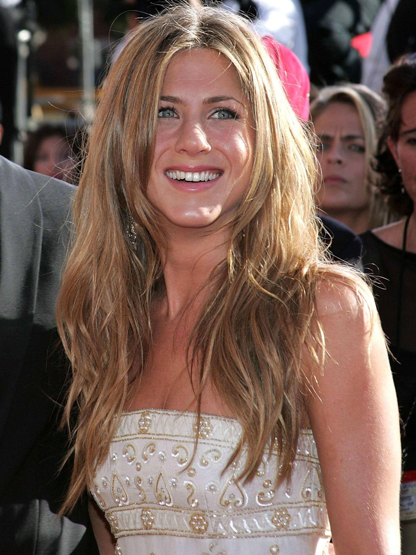 Jennifer Aniston con ondas. (Getty)