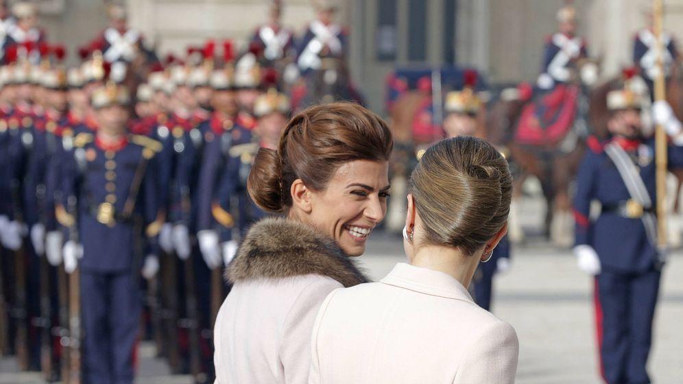 Foto: La Reina Letizia y la primera dama argentina, Juliana Awada, durante el acto de bienvenida