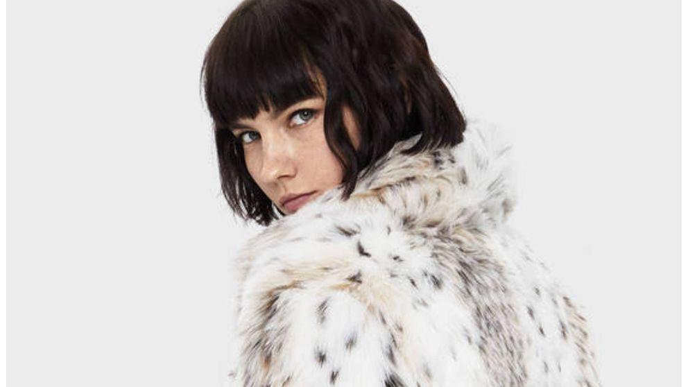 Bershka tiene un abrigo de pelo de estampado animal que nos ha dejado sin palabras