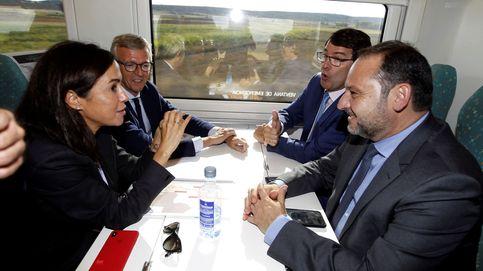 Ábalos anuncia que el AVE a Galicia estará listo para el segundo semestre de 2021