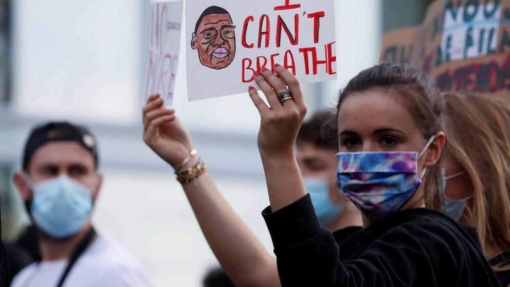 Foto: Protesta en París en memoria de la muerte de Adama Traoré. (Reuters)