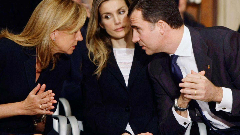 La infanta Cristina, la reina Letizia y Felipe VI. (Reuters)