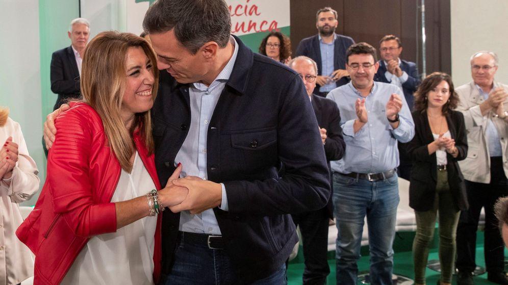 Foto: Susana Díaz y Pedro Sánchez durante la reunión del comité director del PSOE-A celebrada el sábado. (EFE)
