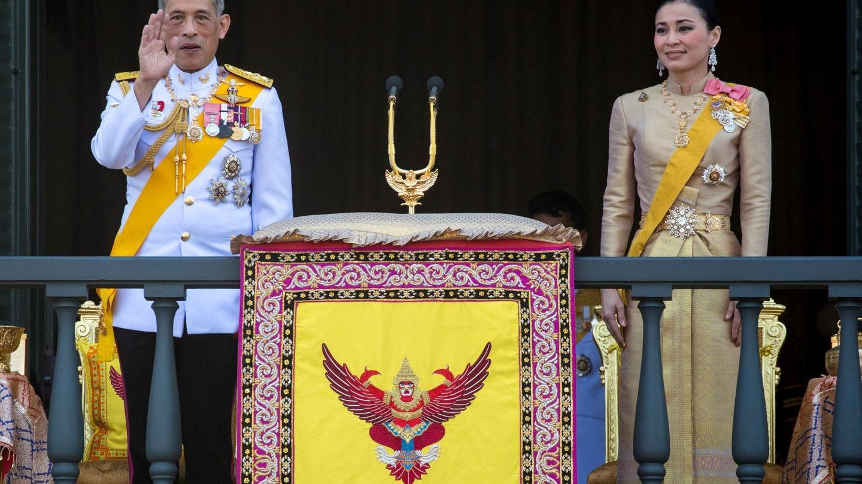 El rey de Tailandia, Maha Vajiralongkorn, y la reina Suthida. (EFE)