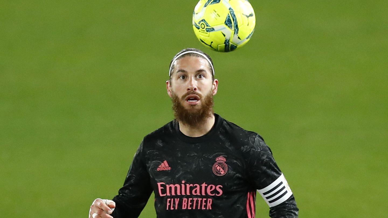 Sergio Ramos sigue sin aclarar el tema de su renovación por el Real Madrid. (EFE)