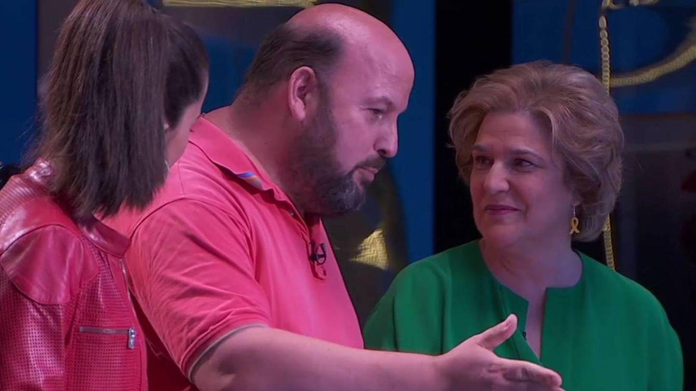 Pilar Rahola y su marido, Robert Cerdán, en el plató de 'Preguntes Freqüents'. (TV3).