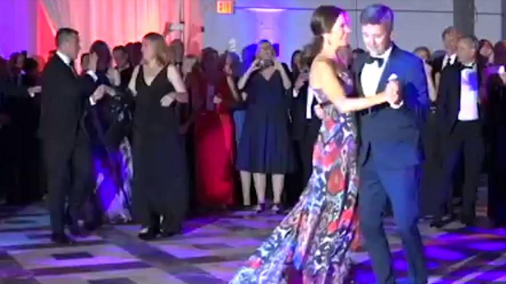 El romántico baile de Federico y Mary de Dinamarca