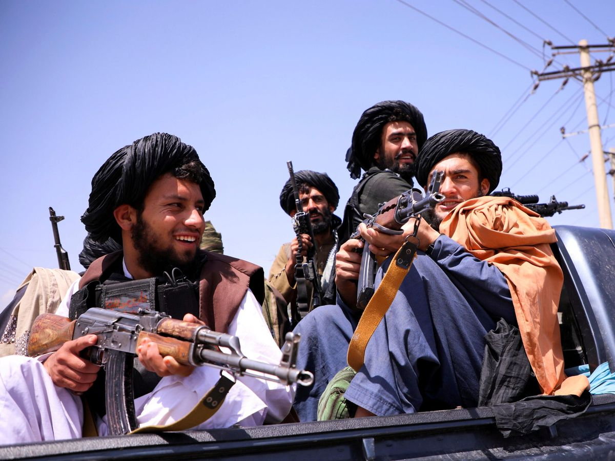 Foto: Talibanes en Kabul. (Reuters)