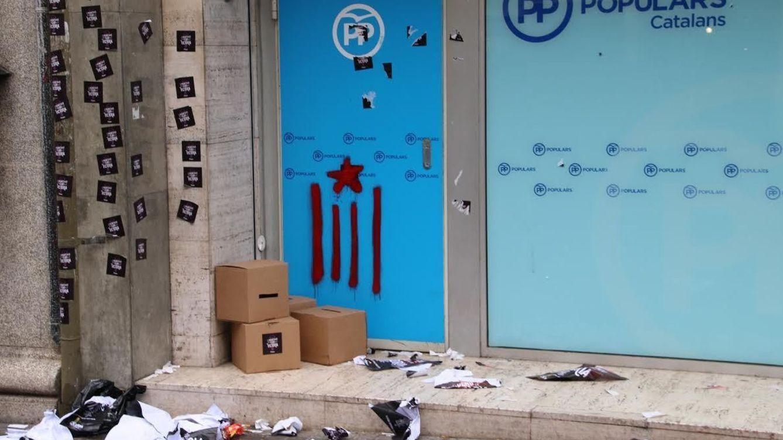 La CUP o el ejército de Pancho Villa: del asalto al PP a los ataques a Puigdemont