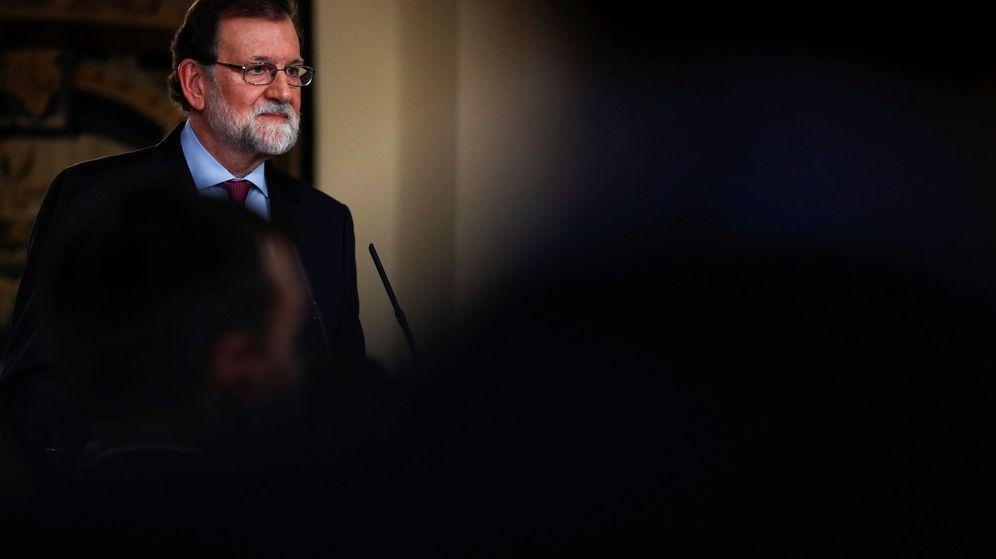 Foto: Rajoy escucha una pregunta ayer en La Moncloa (Reuters)