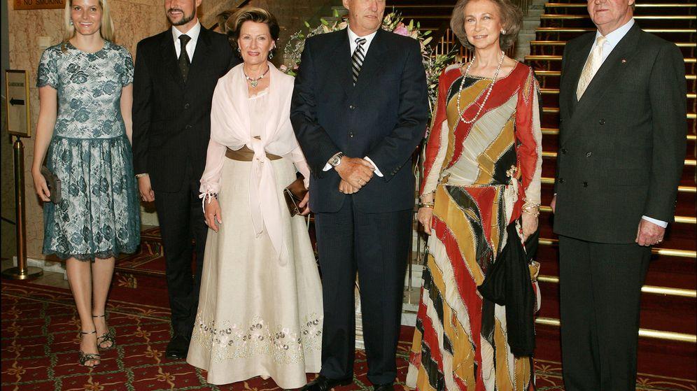 Foto: Los Reyes eméritos junto a Harald y Sonia de Noruega. (Gtres)