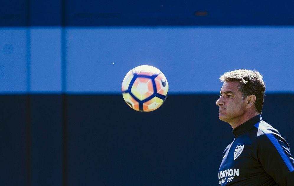 Foto: En la imagen, Míchel durante un entrenamiento del Málaga. (EFE)