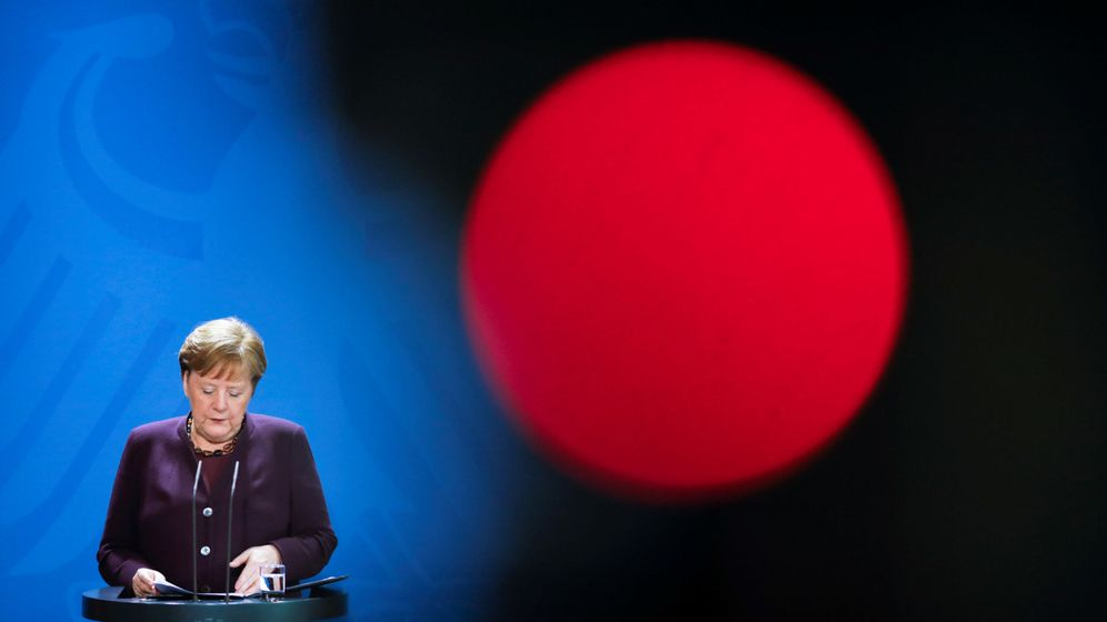Foto: German chancellor angela merkel holds a news conference about the coronavirus outbreak disease (covid-19) in berlin