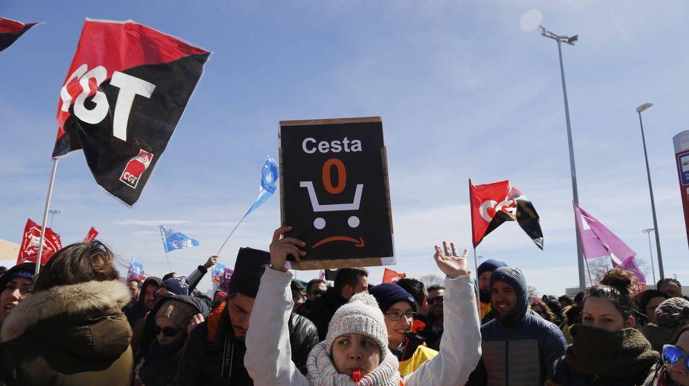 Foto: Trabajadores de Amazon se manifiesta en Madrid. (Lito Lizana/El Salto)