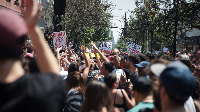 Foto: Nueva jornada de protestas por la desigualdad en Santiago de Chile. (EFE)