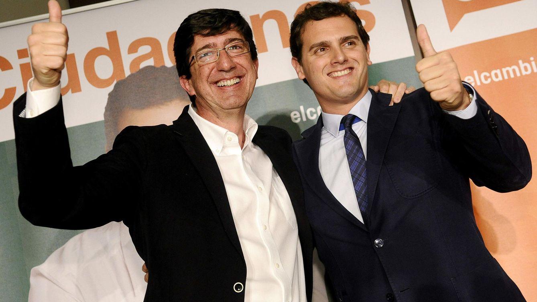 Foto: Juan Marín, candidato de Ciudadanos a la Junta de Andalucía, junto con el líder, Albert Rivera. (EFE)