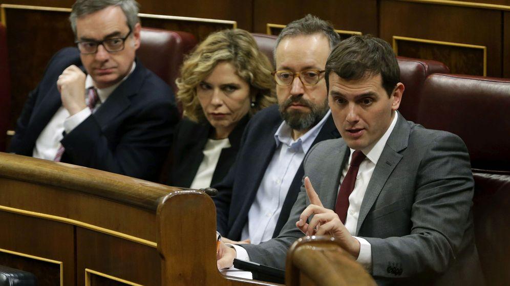 Foto: El presidente de Ciudadanos, Albert Rivera, durante la primera sesión de investidura. (EFE)