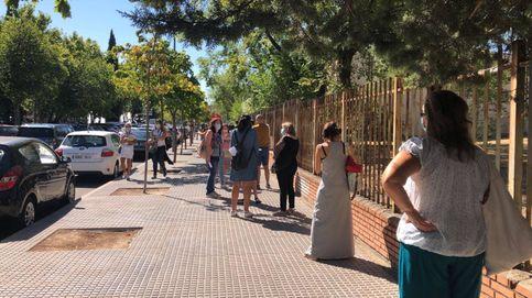 """Las colas se repiten en Leganés: """"Han solucionado la capital pero esto no"""""""