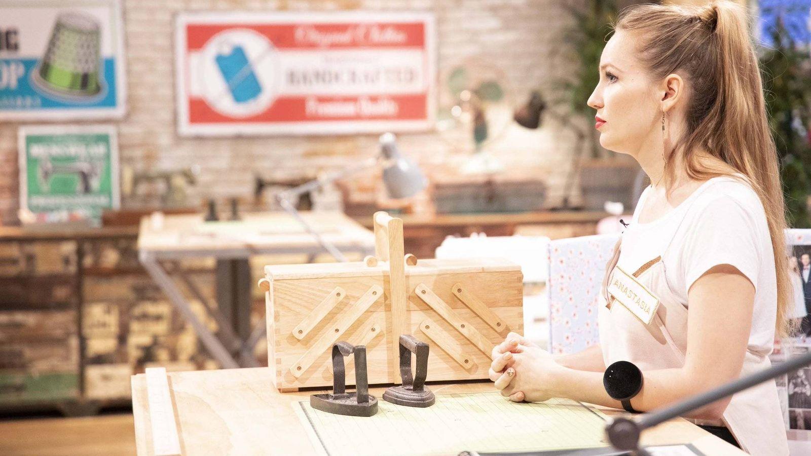 Foto: Anastasia durante el segundo programa de 'Maestros de la costura'. (TVE)