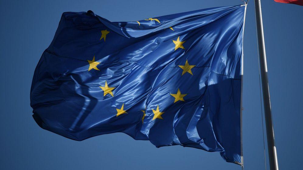 Foto: La bandera de la Unión Europea (UE), durante la primera sesión del recién compuesto Parlamento Europeo. (EFE)